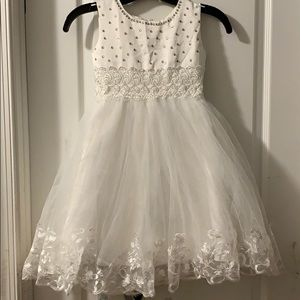 Beautiful dress for girls ( used )